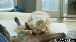 Minx knows way to men's heart and uses it with black dude