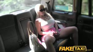 Busty passenger enjoys British cab drivers' tradition