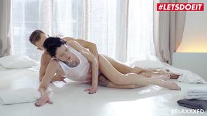 Brunnette babe Erika Bellucci gives the best massage