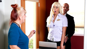 Blonde receptionist's cookie jar gets dipped by boss