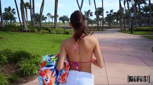 Bikini wearing babe having fun in a POV video